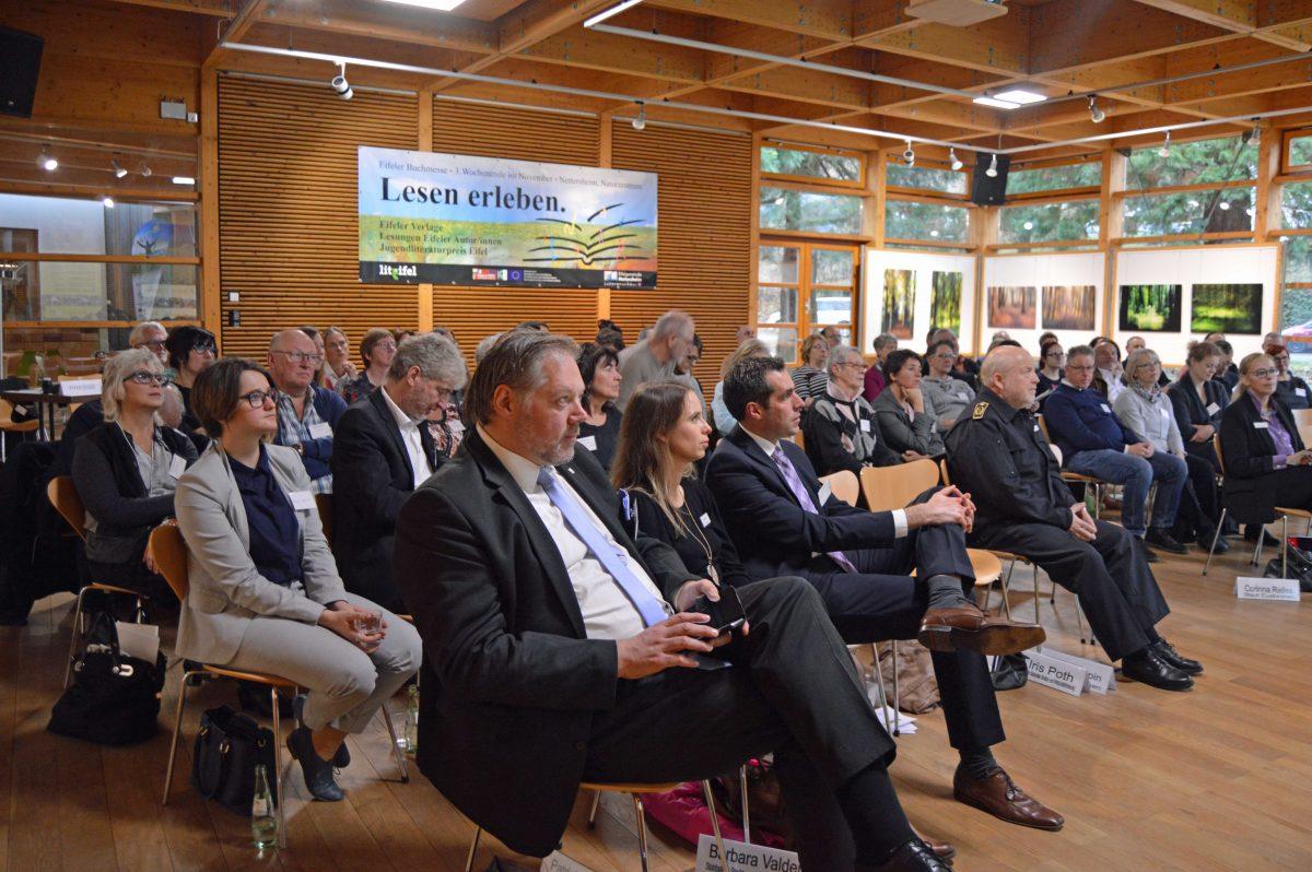 Die zweite Veranstaltung stieß auf ebenso große Resonanz wie die Premiere. Rund 90 Teilnehmer kamen zur Veranstaltung ins Holzkompetenzzentrum Rheinland nach Nettersheim. Foto: Kirsten Röder/pp/Agentur ProfiPress